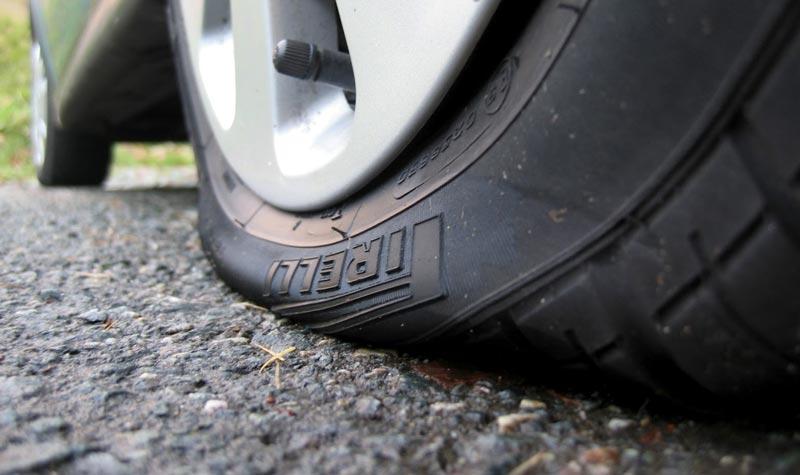 Как определить, что пробито колесо