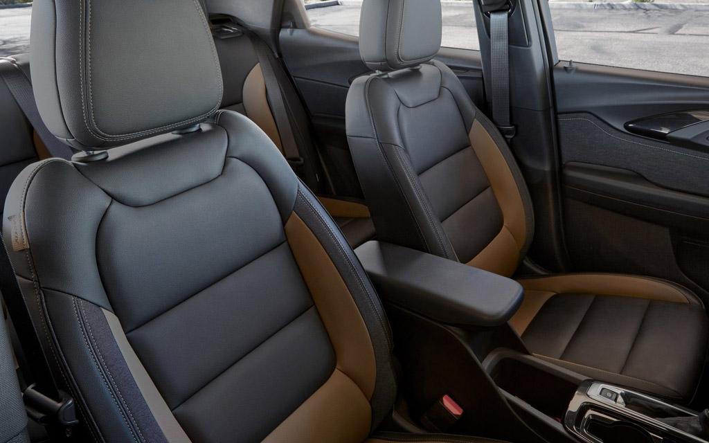 Chevrolet Trailblazer 2021, передние сиденья
