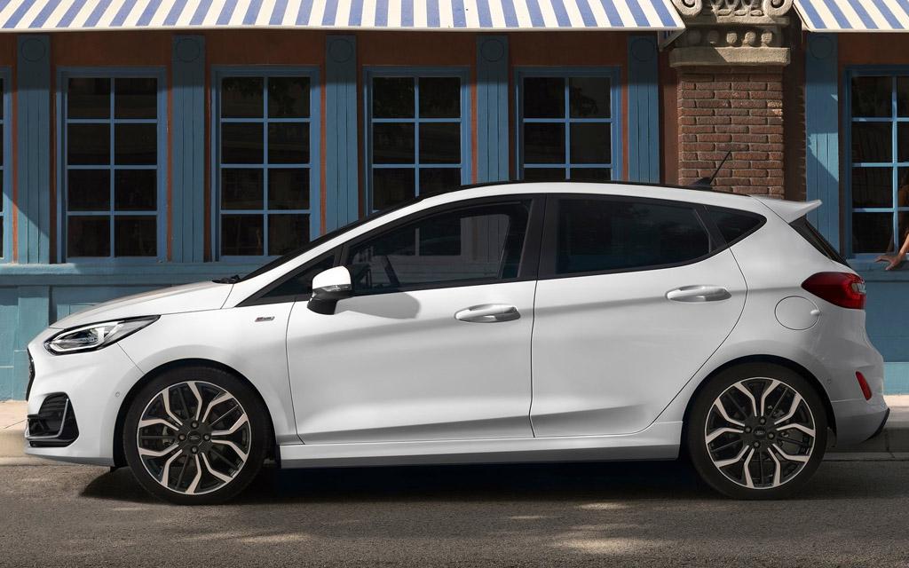 Ford Fiesta 2022, вид сбоку