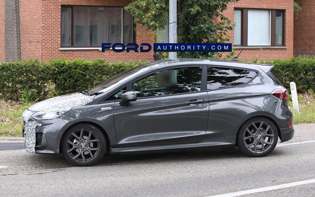 Ford Fiesta ST-Line 2022, вид сбоку