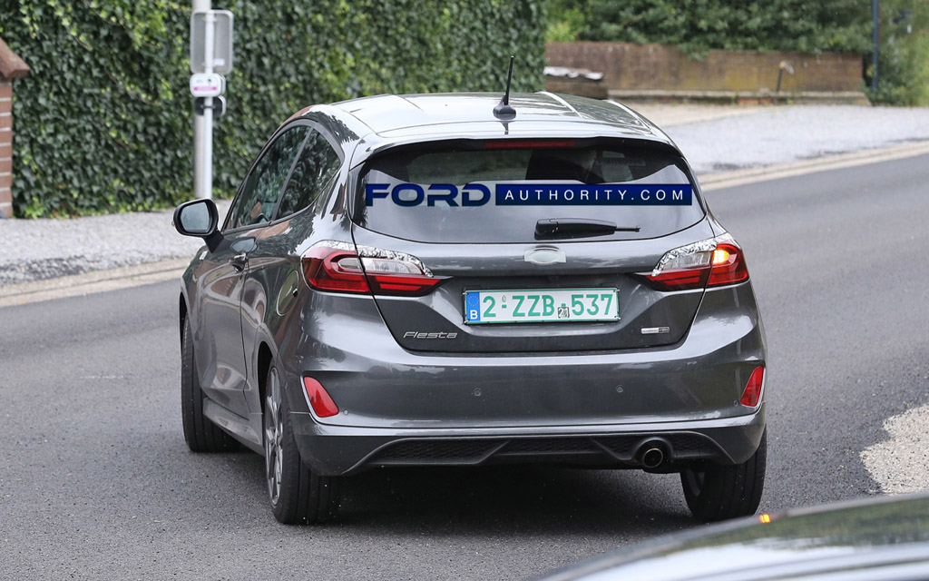 Ford Fiesta ST-Line 2022, вид сзади