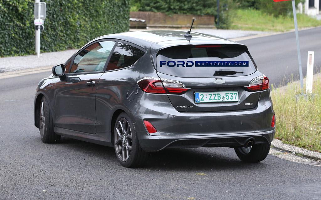 Ford Fiesta ST-Line 2022, задние стопы