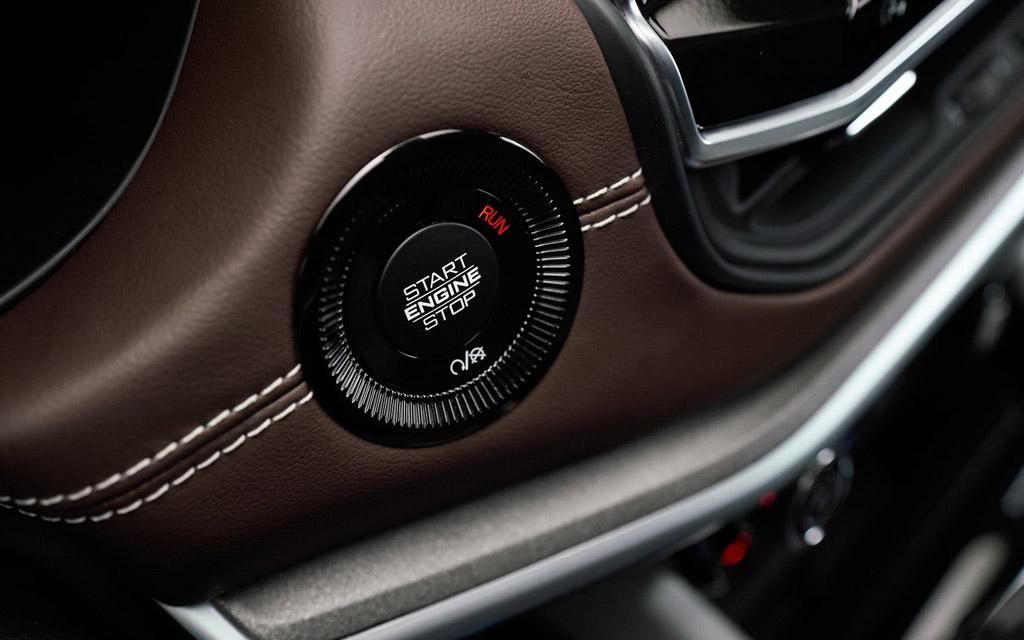 Jeep Compass 2022, запуск двигателя с кнопки