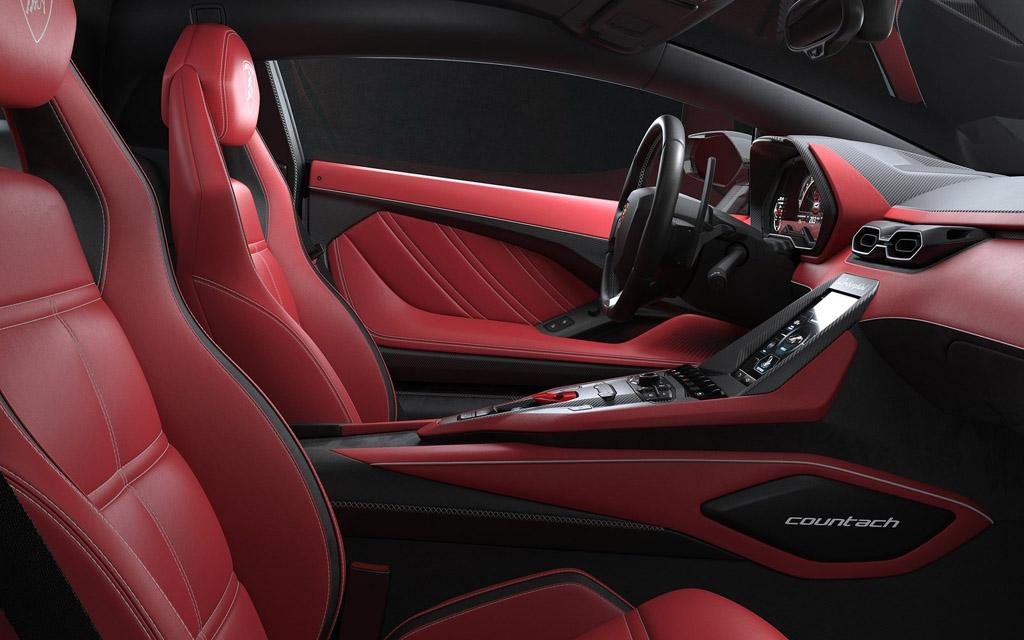 Lamborghini Countach LPI 800 2022, интерьер суперкара