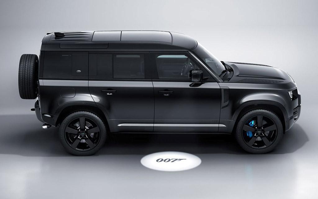 Land Rover Defender 007 — специальная версия внедорожника