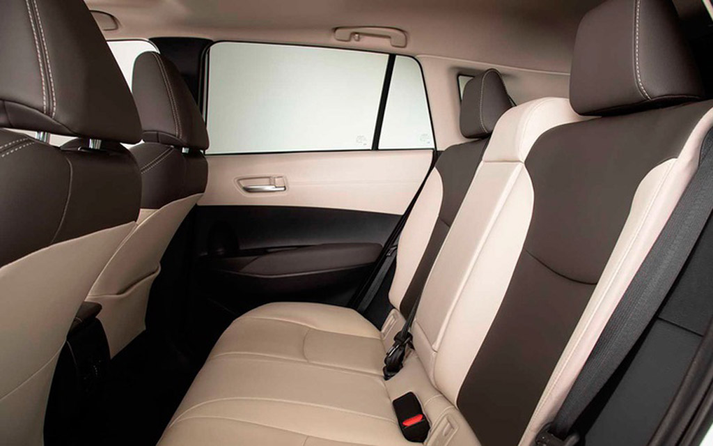 Toyota Corolla Cross 2021, второй ряд сидений