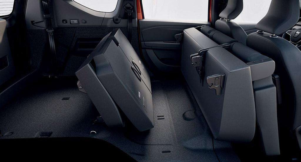 Dacia Jogger 2022, сложенные сиденья