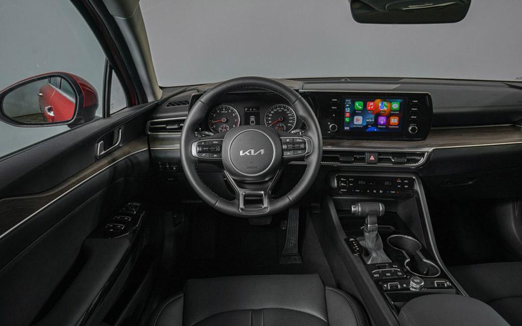 Новый Kia K5 2022, передняя панель