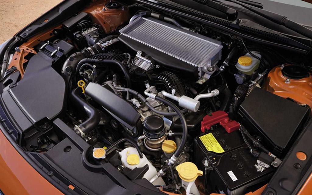 Subaru WRX 2022, двигатель седана